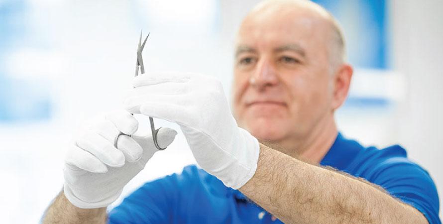 7 tipuri de pete care indica faptul ca instrumentarul medical nu mai functioneaza corespunzator